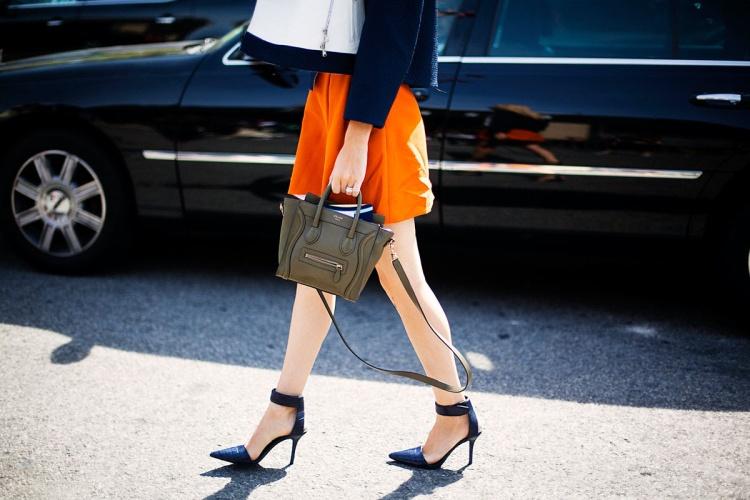 mini_bolsos-xs_bags-bags-bolsos-street_style-trends-tendencias-moda-fashion-it_bags-Front_row_blog-boston_bag_celine